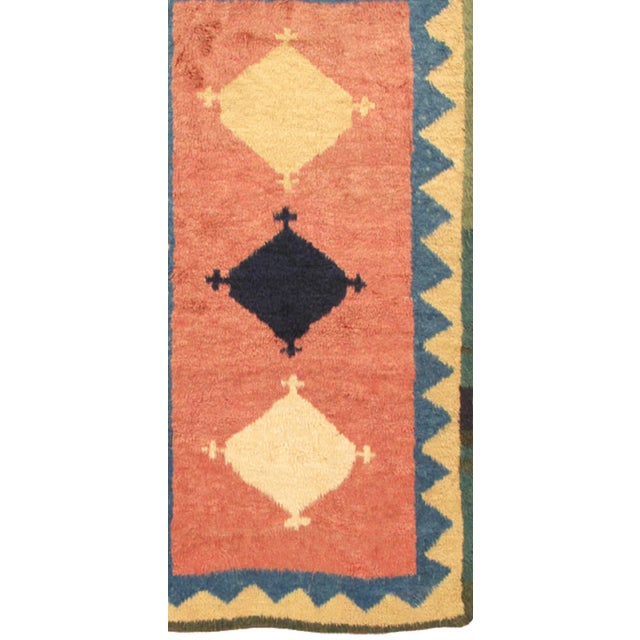 The brand Pasargad is the perfect blend of class and elegance. This contemporary rug is from the Modern collection and...