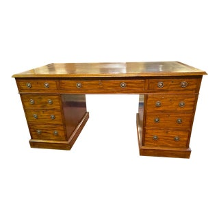 English 19th Century Pedestal Desk For Sale