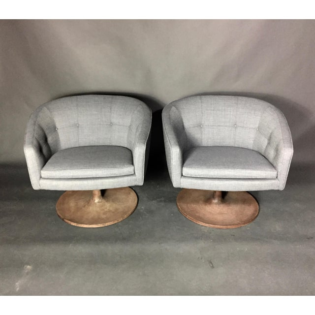Mid-Century Modern Pair 1960s Jens Risom Barrel-Back Swivel Chairs For Sale - Image 3 of 13