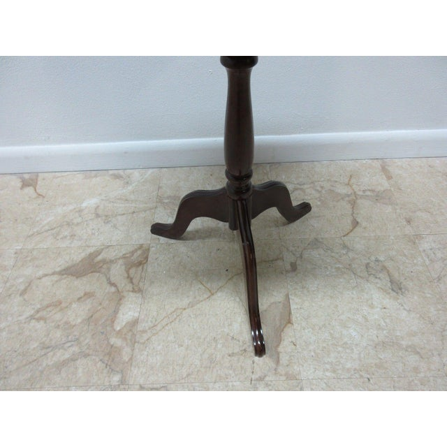 Bombay Company Cherry Lamp End Table Pedestal Stand - Image 5 of 11