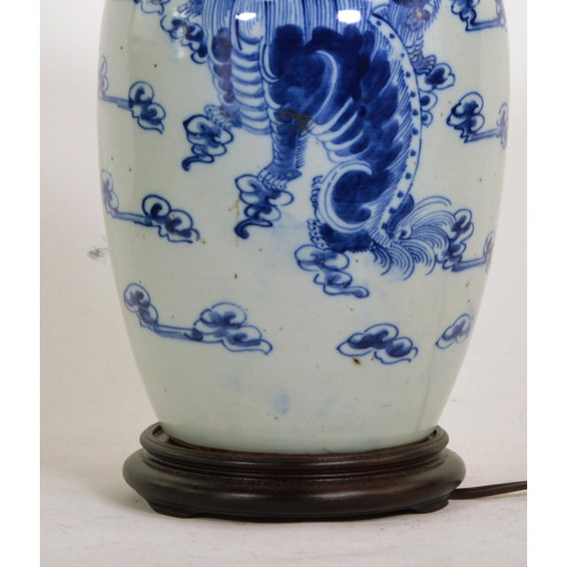 Late 19th Century Chinese Blue and White Porcelain Vase Table Lamp at the End of the 19th Century For Sale - Image 5 of 6