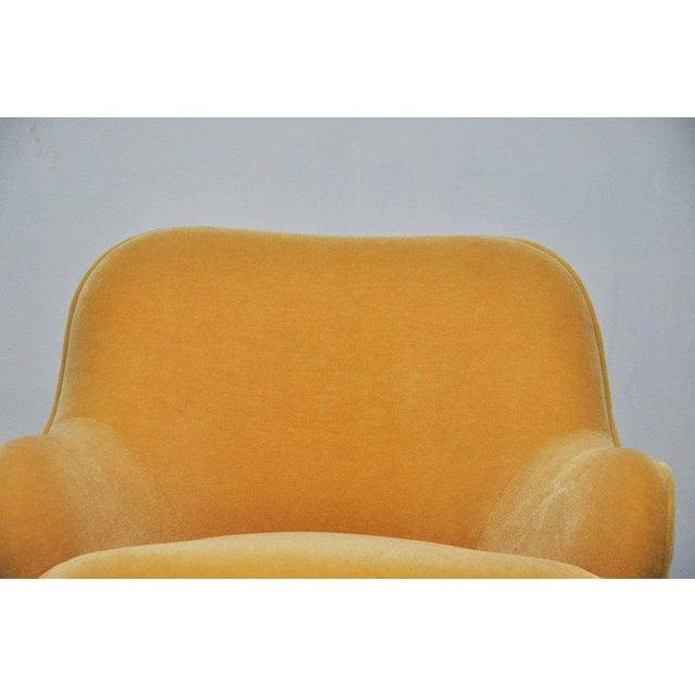 Vladimir Kagan Vladimir Kagan Walnut Frame Lounge Armchair For Sale - Image 4 of 11