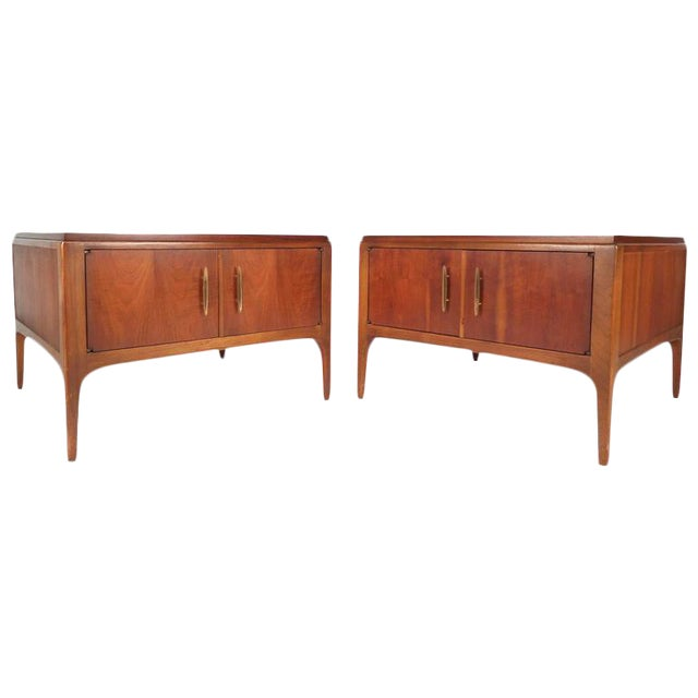 Lane Furniture Mid-Century Low End Tables - a Pair For Sale