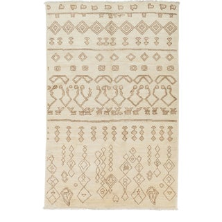 Moroccan Handmade Area Rug - 6 X 9 For Sale
