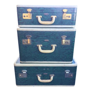 Vintage Skyway Luggage 3 Piece Green Faux Snakeskin For Sale