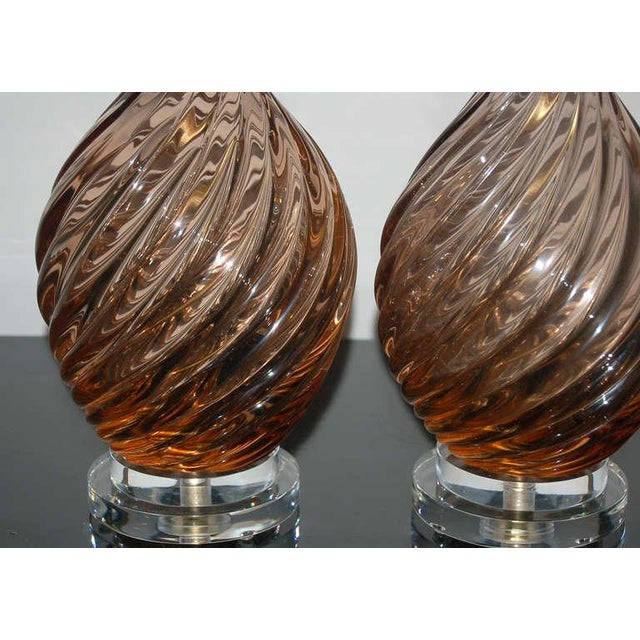 1950s Marbro Murano Glass Table Lamps in Peach Tea For Sale - Image 5 of 10