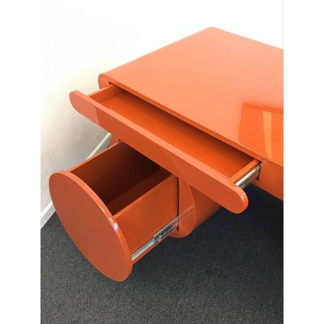 Lacquer High Gloss Lacquered Scuptural Desk from the 1960s For Sale - Image 7 of 9