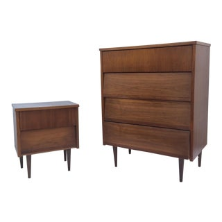 Mid-Century Modern Bedroom Dresser and Nightstand