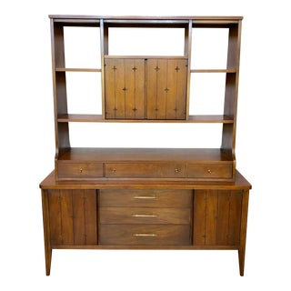 1950s Broyhill Saga Mid Century Modern Walnut Bookcase For Sale