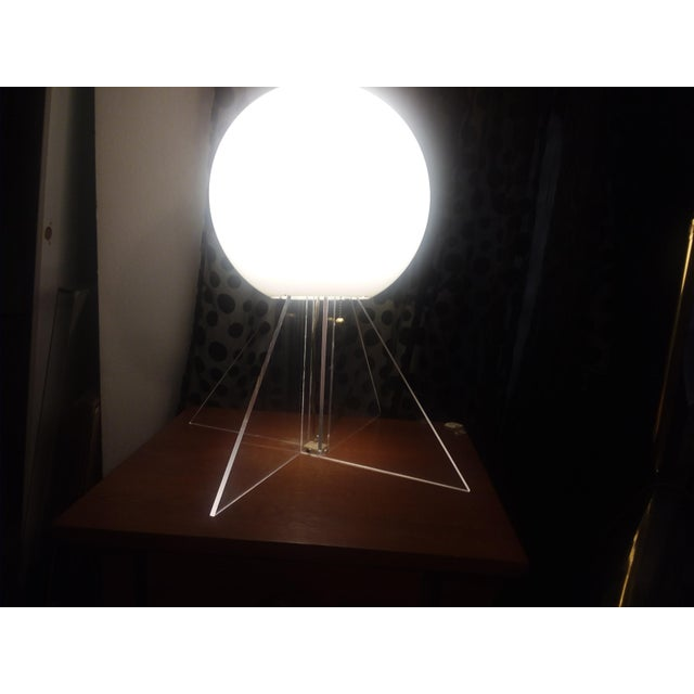 1970s Mid Century Plexi Globe Table/Floor Lamp For Sale - Image 5 of 10