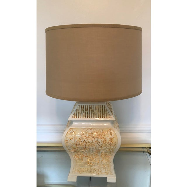 1970s Italian Porcelain Pagoda Table Lamp With Shade For Sale - Image 5 of 9