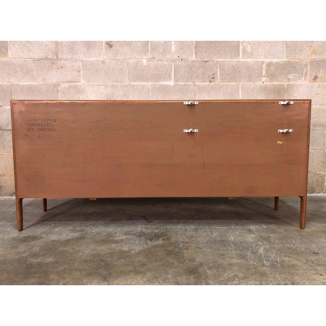 1960s Barney Flagg for Drexel Parallel Mid-Century Modern 9-Drawer Dresser For Sale - Image 5 of 8