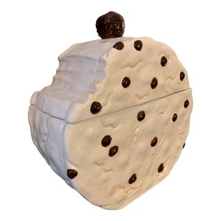 1960s Vintage Bhp of New York, ' Bite Out of a Cookie' Ivory & White, Chocolate Chip Cookie Jar For Sale