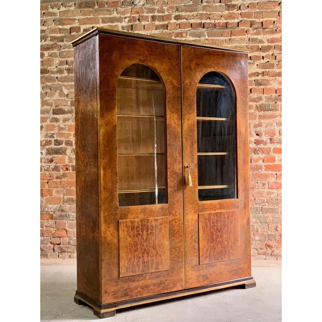 Tomaso Buzzi Burr Walnut Display Cabinets Bookcases, Italy, circa 1929 - A Pair For Sale - Image 10 of 12