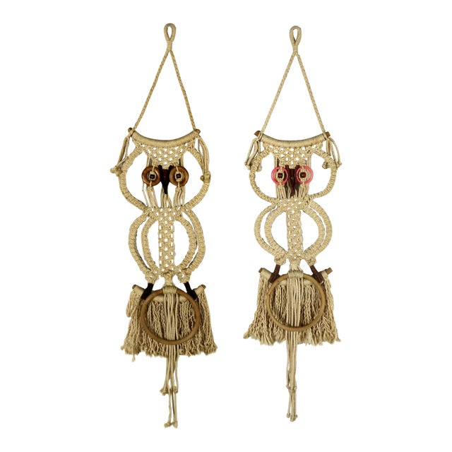 Macramé Owl Wall Hanging or Towel Ring Vintage For Sale