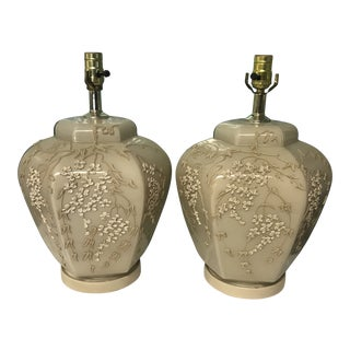 1900s Mid-Century Modern Chinoiserie Cream Ceramic Table Lamps - a Pair For Sale
