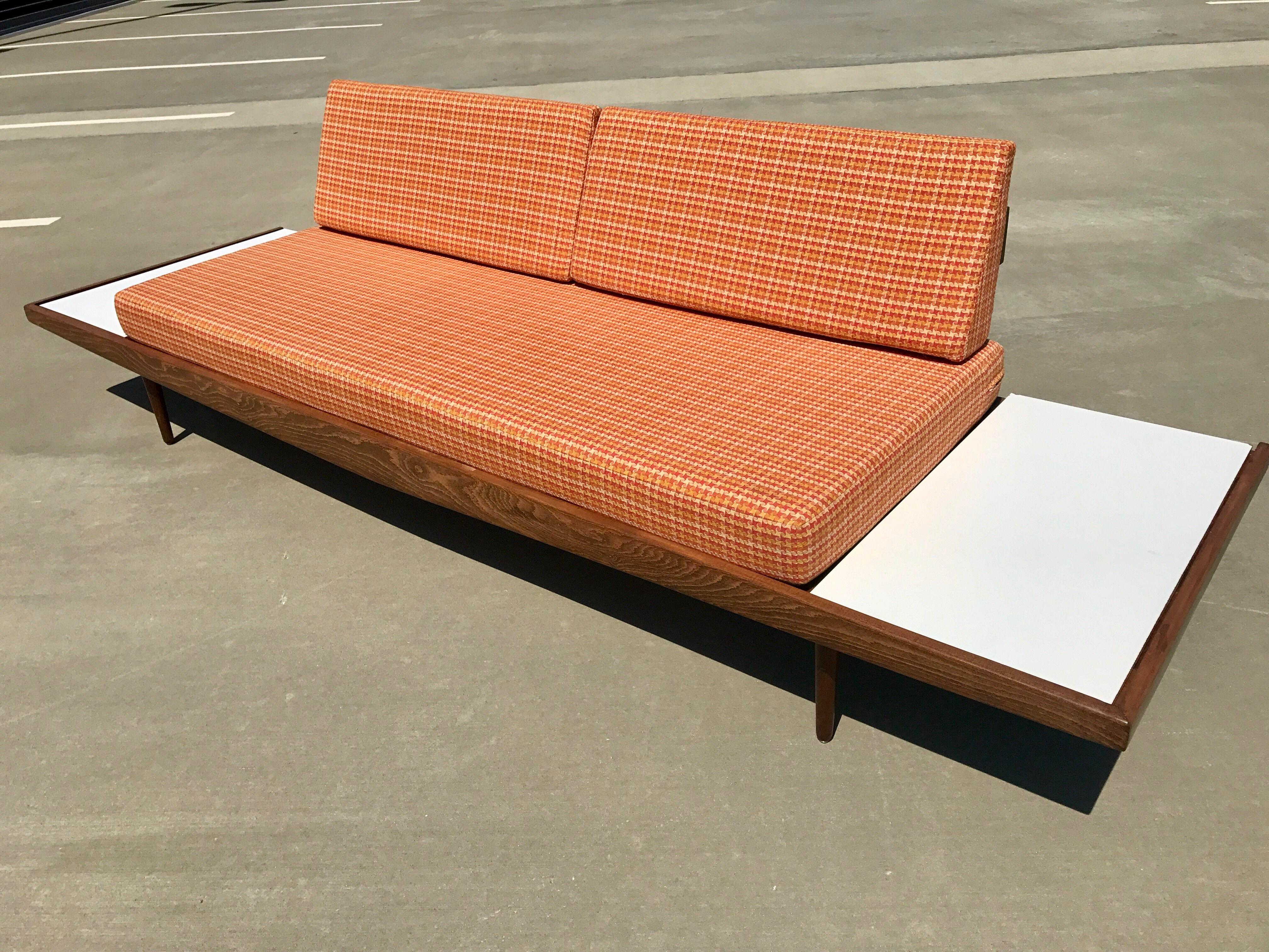 Mid Century Formica Platform Sofa   Image 4 Of 11