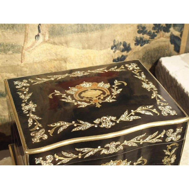 Circa 1850 Napoleon III Cave a Liqueur With Mother of Pearl, Rosewood, and Brass Inlay For Sale - Image 4 of 13