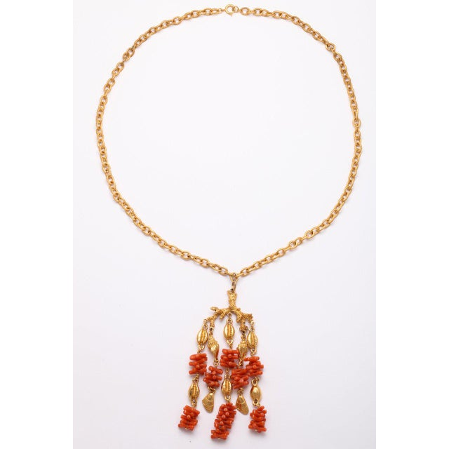 Coral and Shell Pendant Necklace For Sale In New York - Image 6 of 9