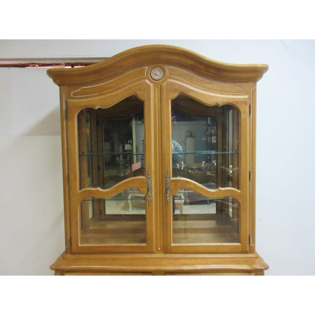 French Country Ethan Allen Country French Bisque China Cabinet Hutch Curio Display For Sale - Image 3 of 11