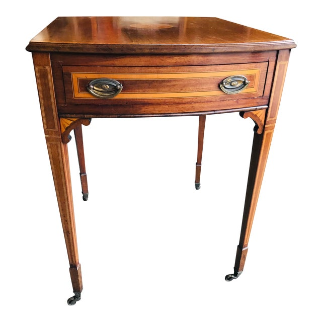 19th Century Traditional Mahogany Drop Leaf Oval Side Table For Sale