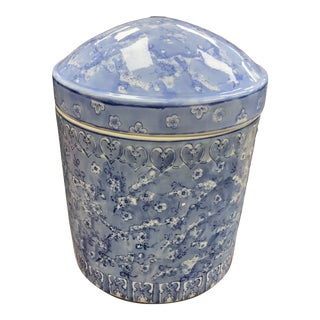 Late 20th Century Chinese Blue Porcelain Covered Canister For Sale
