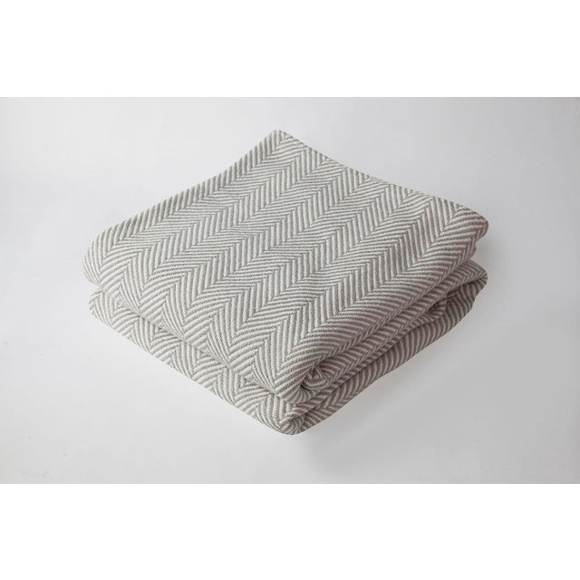 2010s Contemporary Full/Queen Grey/Natural Herringbone Blanket For Sale - Image 5 of 5