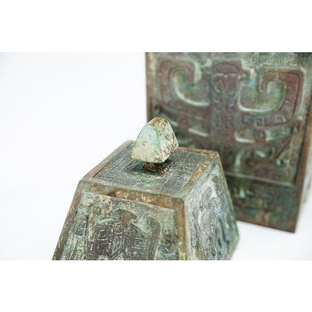 Bronze 20th Century Chinese Lawrence & Scott Verdigris Bronze Wine Box For Sale - Image 7 of 9