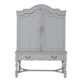 18th c. Belgian Baroque Period Linen Press in Two Parts For Sale