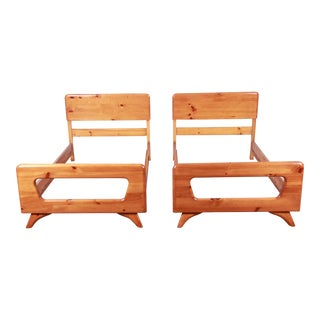 Franklin Shockey Mid-Century Rustic Modern Solid Sculptured Pine Twin Beds, Pair For Sale