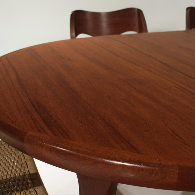 Wood Møller Model 71 & 55 Chairs and Vv Møbler Extension Table - 7 Piece Dining Set For Sale - Image 7 of 12