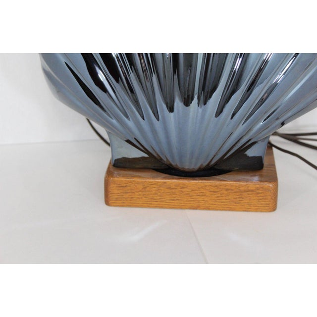 1950s Vintage Art Deco Style Large Metallic Blue Shell Table Lamp For Sale In Detroit - Image 6 of 10