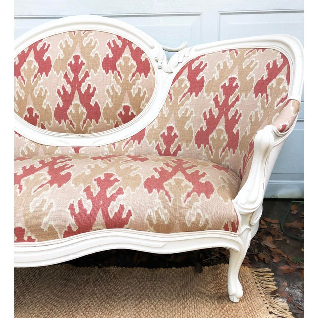 Modern Victorian Transitional Upholstered Settee For Sale - Image 3 of 6