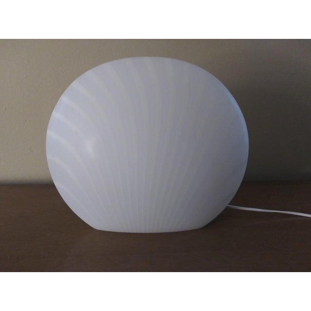 1960's Italian Murano Vetri White and Gray Swirl Shell Table Lamp For Sale - Image 9 of 10