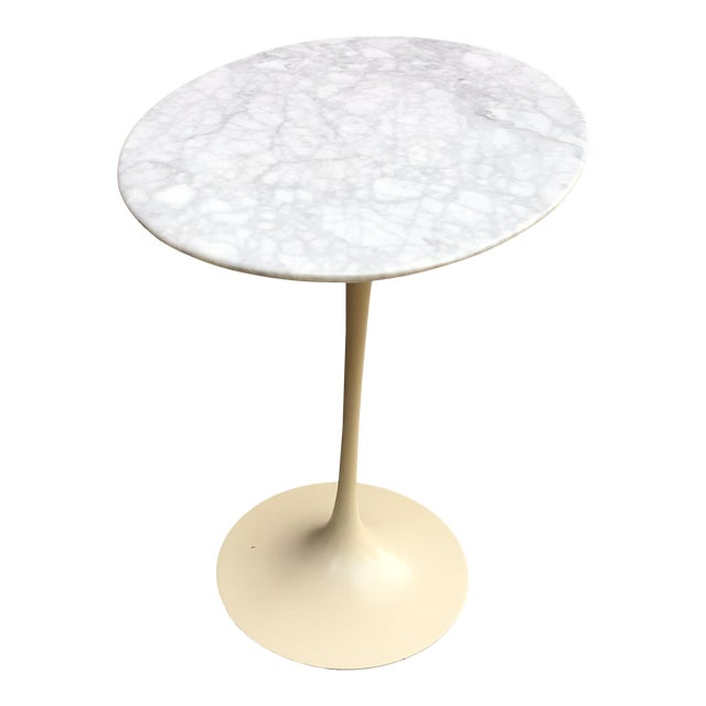 Saarinen for Knoll Oval Marble Side Table For Sale