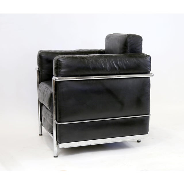 Vintage Le Corbusier Style Black Leather Club Chair From Jfk Concorde Room For Sale In New York - Image 6 of 11
