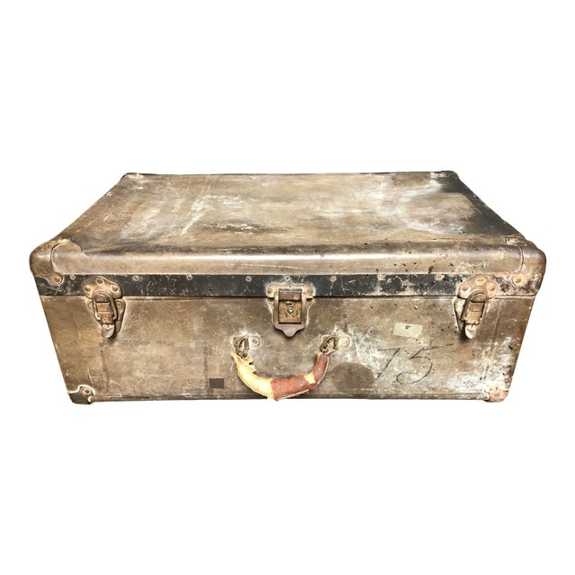 Vintage Well-Worn Wearever Salesman Sample Suitcase For Sale