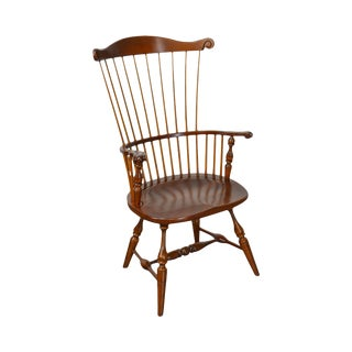 Duckloe 18th Century Style Comb Back Windsor Arm Chair