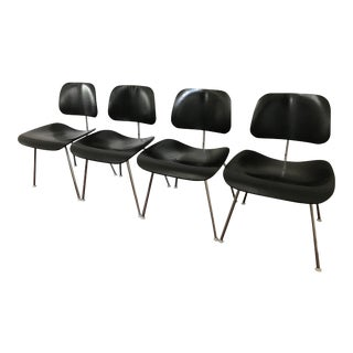 Eames Molded Plywood Dining Chair (Dcm) Herman Miller - Set of 4 For Sale