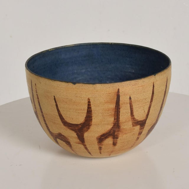 For your consideration, Mid Century Modern Bowl with Beautiful Decoration, Earth Tones with Blue inside Natzler Era....