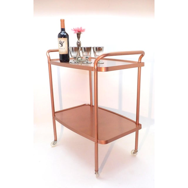 Mid-Century Modern Rose Gold Rolling Bar Cart For Sale In Sacramento - Image 6 of 10