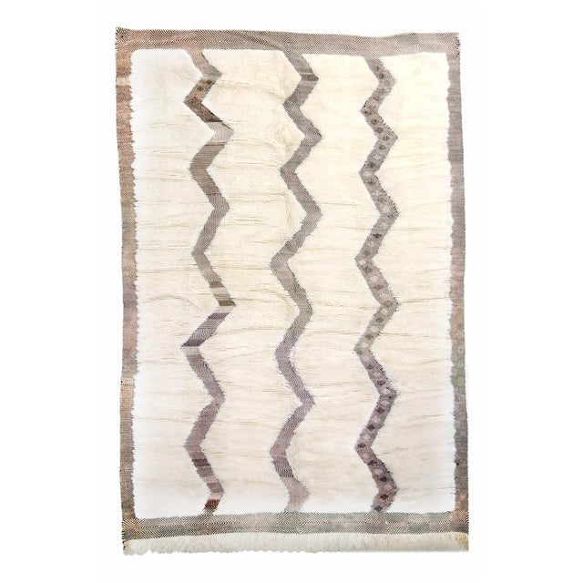 Moroccan White and Black Wool Rug With Pile - 8′7″ × 12′6″ For Sale In New York - Image 6 of 6
