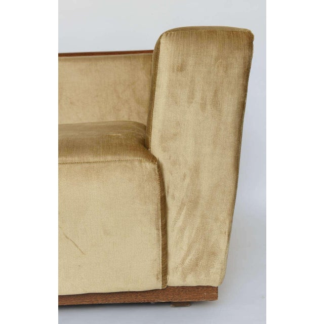 Beautiful Saccaro Velvet Love Seat With Walnut Trim, 21st Century For Sale - Image 10 of 10