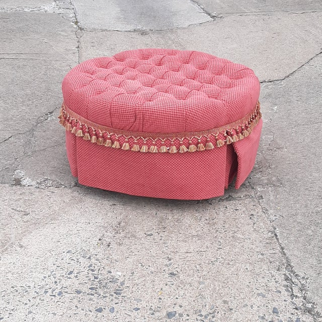 1990s Round Tufted Upholstered Fabric Skirted Ottoman For Sale In Richmond - Image 6 of 8