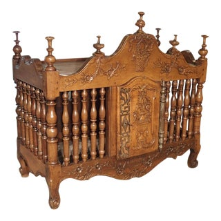 18th Century Walnut Wood Pannetiere from Provence, France For Sale