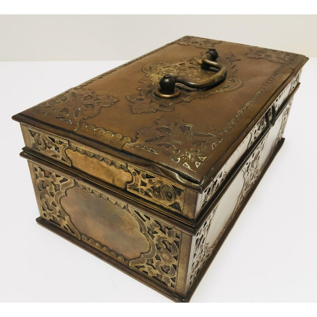 Early 19th Century Antique Anglo Indian Georgian Brass Desk Box For Sale - Image 5 of 12