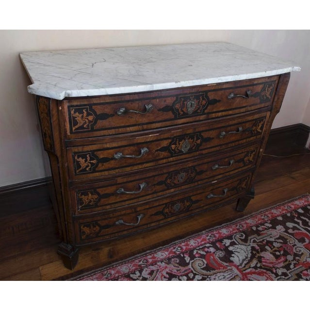 White 18th Century Italian Walnut Veneered Commode With White Marble Top For Sale - Image 8 of 11
