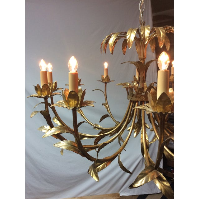 1940s Hollywood Regency Italian Palm Design Gilt Tole Chandelier For Sale - Image 5 of 13