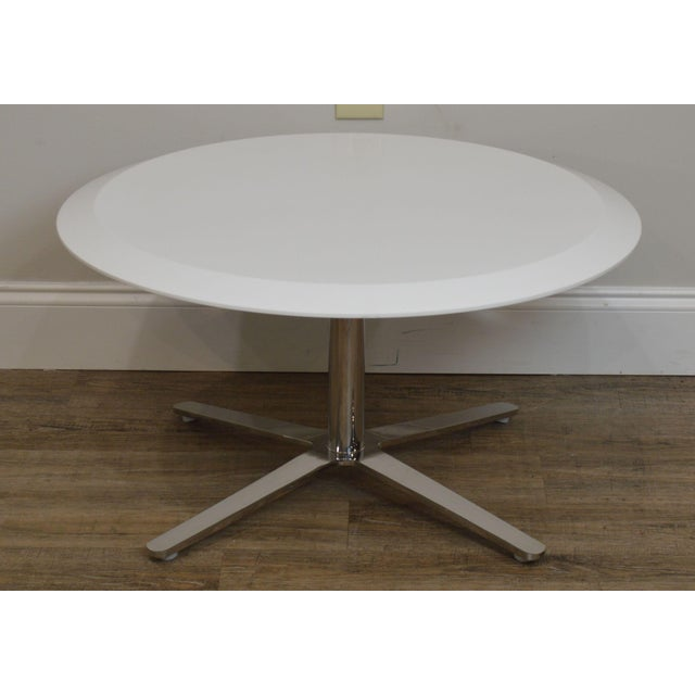 Metal Cumberland Mid-Century Modern Style Pair Chrome Pedestal Base Round White Tables For Sale - Image 7 of 12