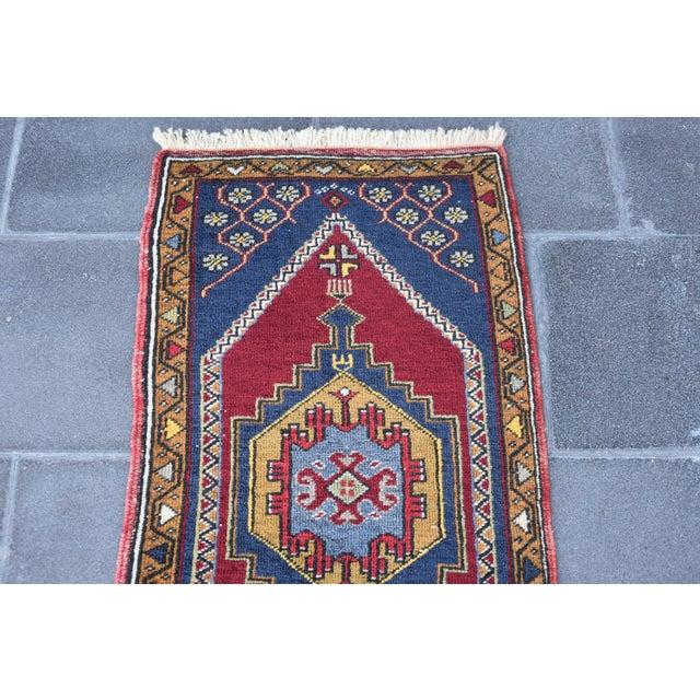 1980s Vintage Turkish Handmade Rug - 1′7″ × 3′2″ For Sale - Image 5 of 7